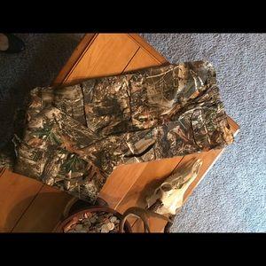 Realtree women's L camp hunting pants